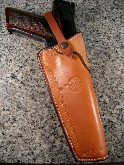 Professional custom gunleather, leather concealment holsters